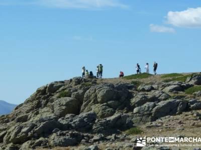 LLegando cima - Pico del Nevero - caminatas por Madrid; ruta sierra madrid